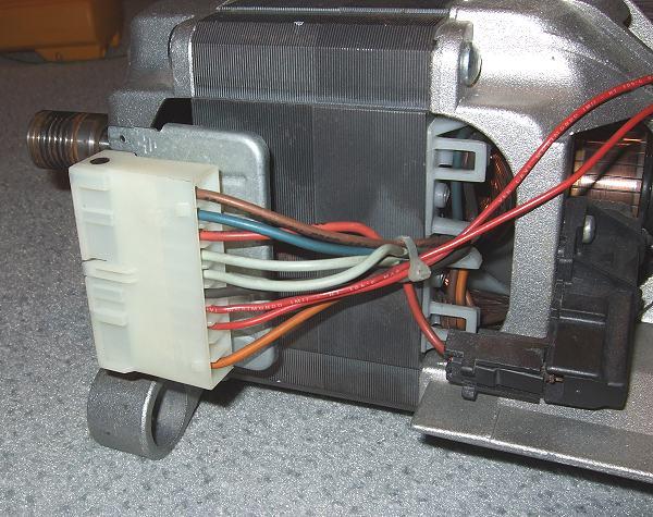 waschmaschine qualmt aus der trommel m bel design idee f r sie. Black Bedroom Furniture Sets. Home Design Ideas